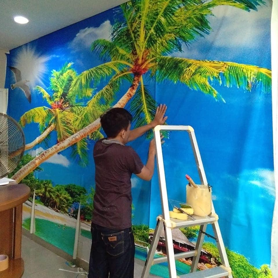 Pemasangan wallpaper di apartemant Robinson